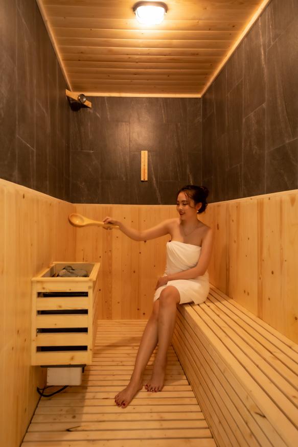 Sauna Room 1